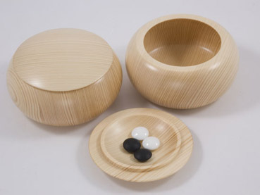 Flat Wooden Bowls, Spruce, Light